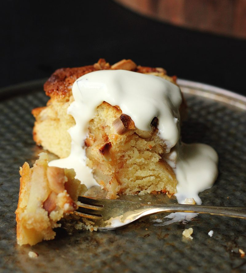 French Apple, Vanilla and Rum Cake Recipe