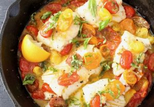 Pan Seared Halibut in Garlic White Wine Sauce Recipe
