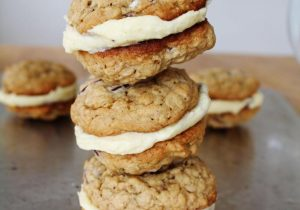 Rum and Raising Oatmeal Sandwich Cookie Recipe