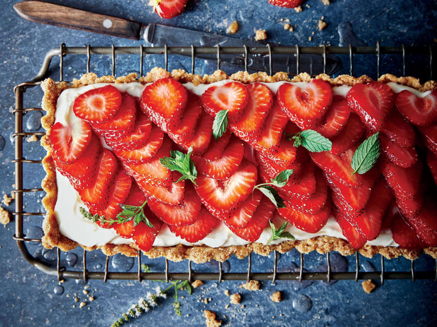 Rosé-Glazed Strawberry Tart