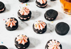 Pink Champagne Oreos