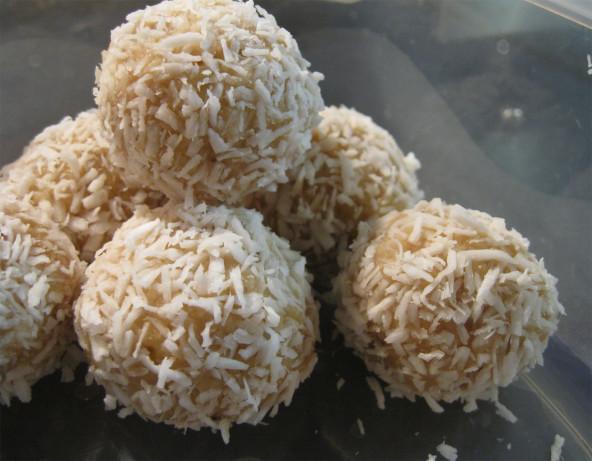 Coconut Rum Balls Recipe