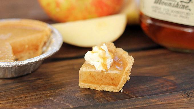 Caramel Apple Pie Moonshine Jello Shots Recipe