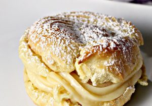 Italian Cream Puffs with Custard Filling Recipe