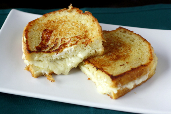 Extraordinary White Wine Grilled Cheese Sandwich