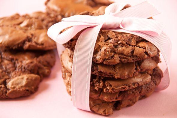 Bourbon and Macadamia Nut Cookies